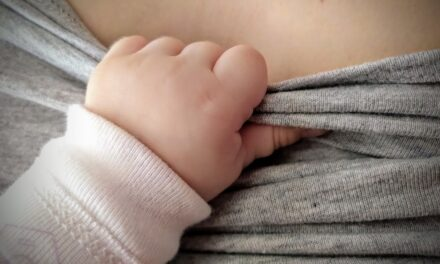 Szeretném abbahagyni a szoptatást  <br><p class='alcim'> – rossz anya vagyok?</p>