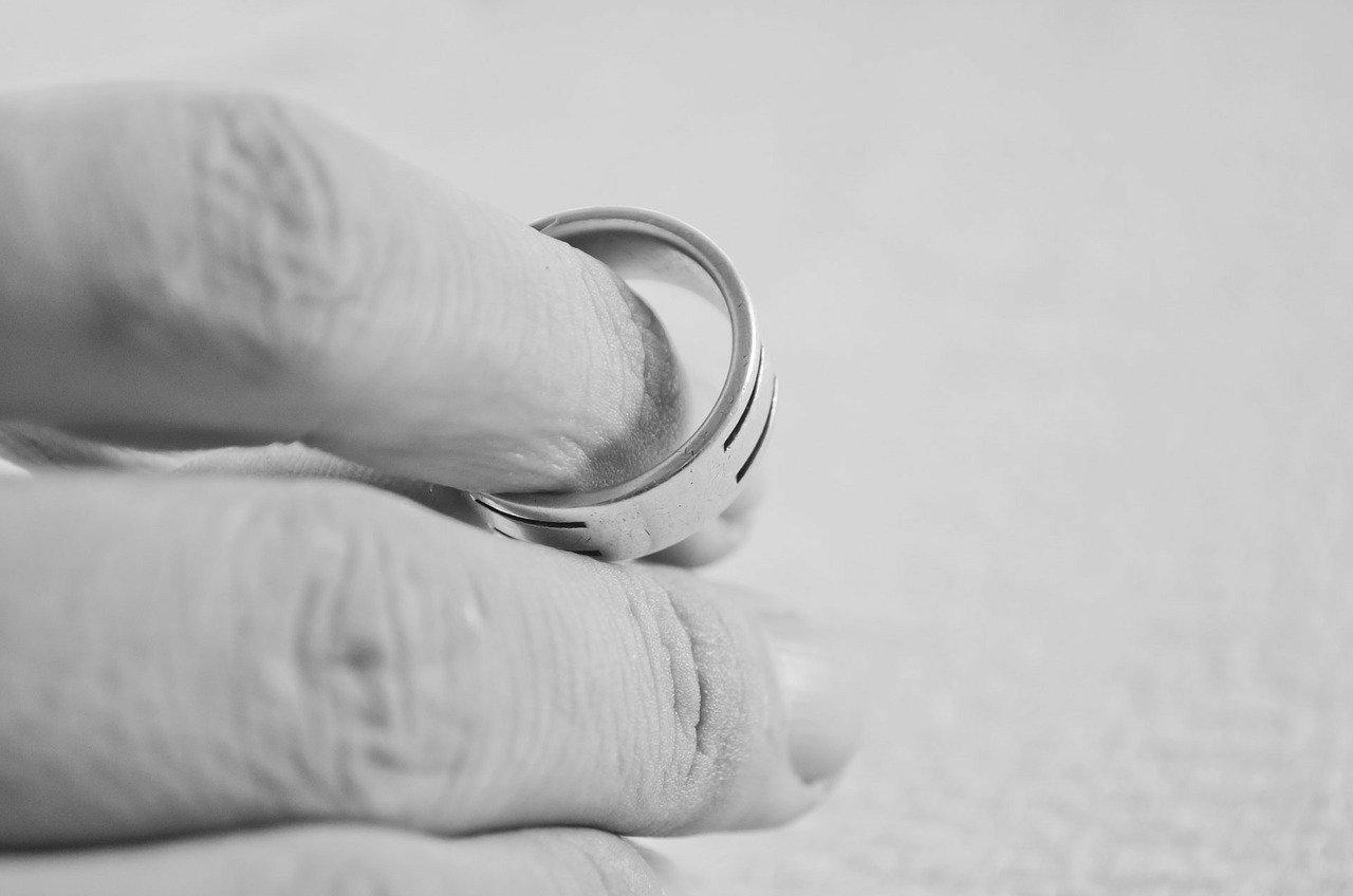 Válás, Gyűrű