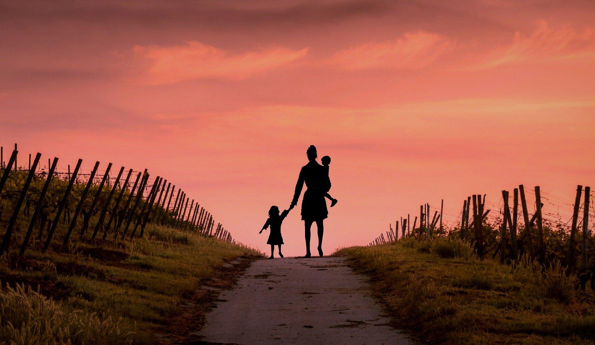 egyedülálló szülő, egyedülálló anya
