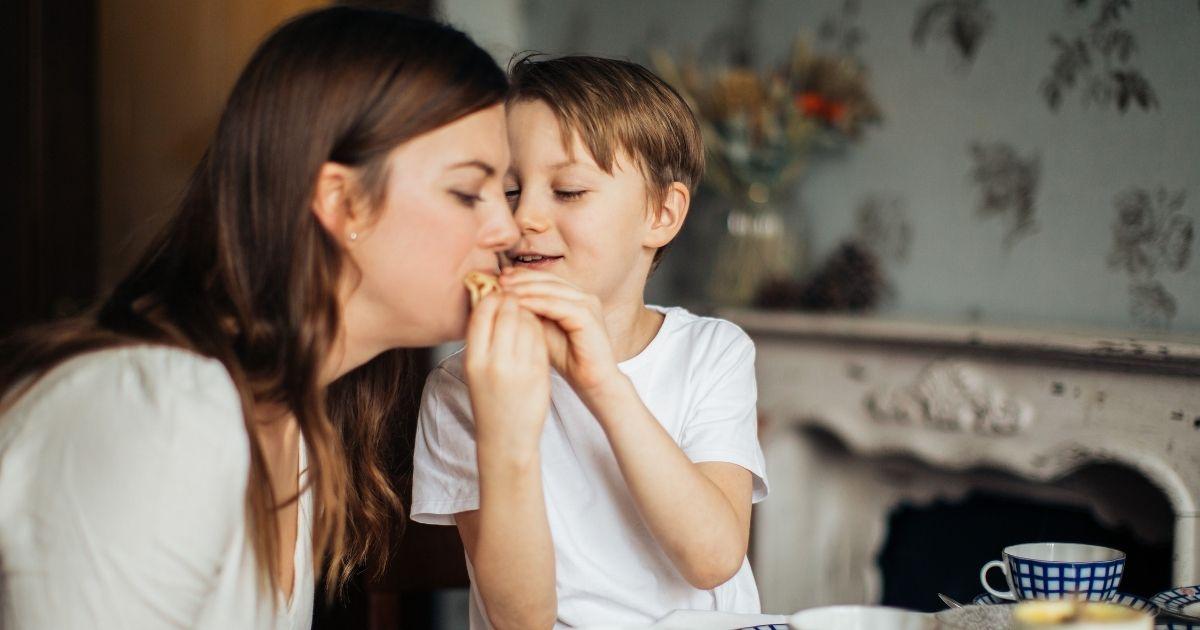 Egyél és tegyél jót!  <br><p class='alcim'> – ebédötlet takarékos zöldanyáknak</p>