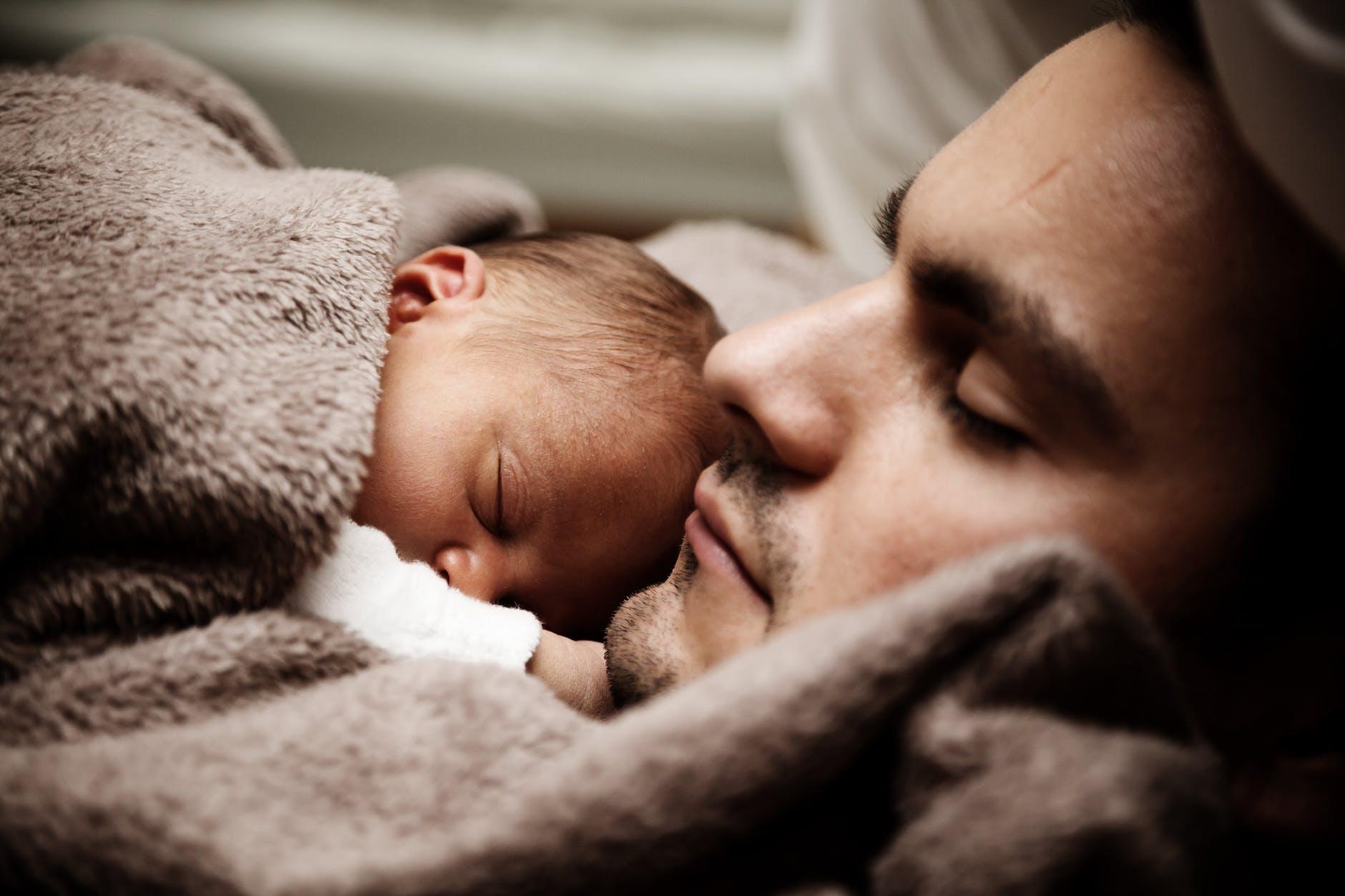 ölelés, agyi fejlődés, felmérés, kutatás, újszülött, koraszülött