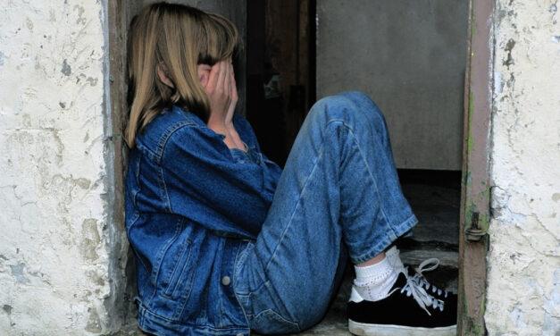 Ki védi meg a gyerekeinket?  <br><p class='alcim'> – interjú dr. Jármi Éva adjunktussal az iskolai zaklatásról</p>