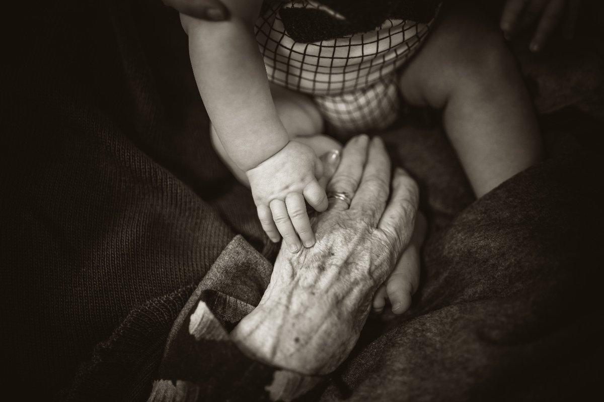 nagymama, unoka, anya, dédnagymama, emlékek, százévesen