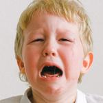 """""""Nem jó hangon mondtam, hogy jó éjt"""" – 20 anya elmeséli, miért hisztizett a gyereke"""
