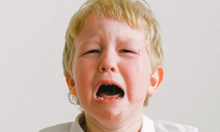 """""""Nem jó hangon mondtam, hogy jó éjt""""  <br><p class='alcim'> – 20 anya elmeséli, miért hisztizett a gyereke</p>"""