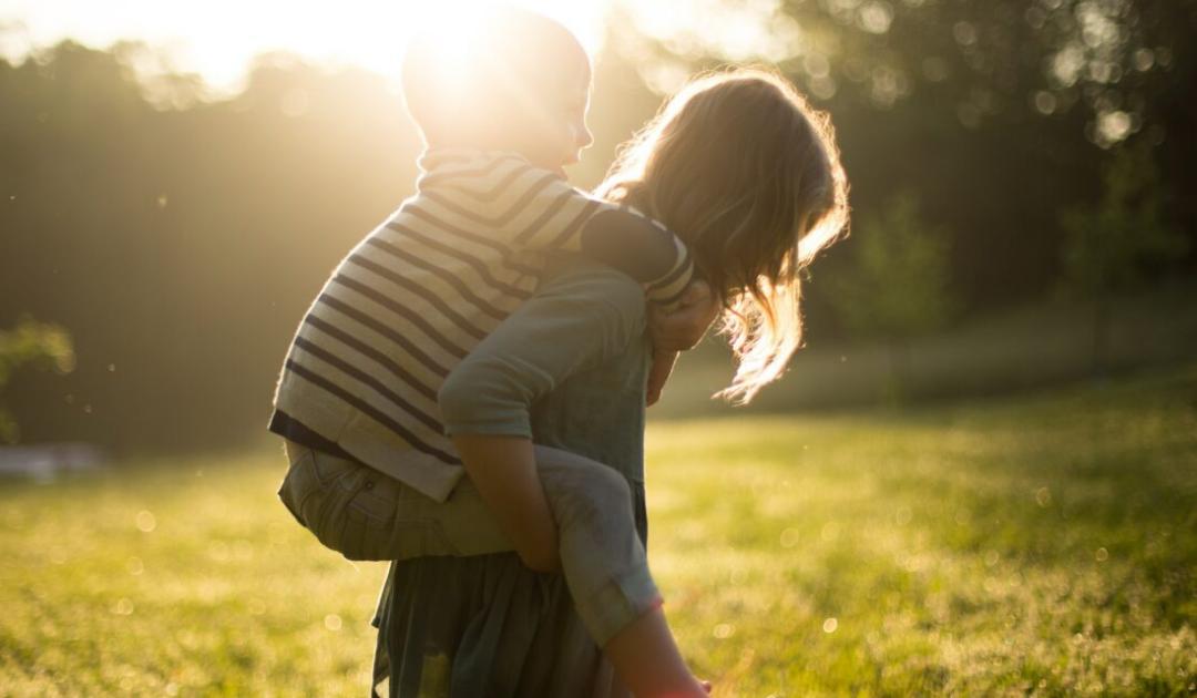 Így neveljük a gyerekeinket környezettudatossá   – 8 egyszerű tipp szülőknek