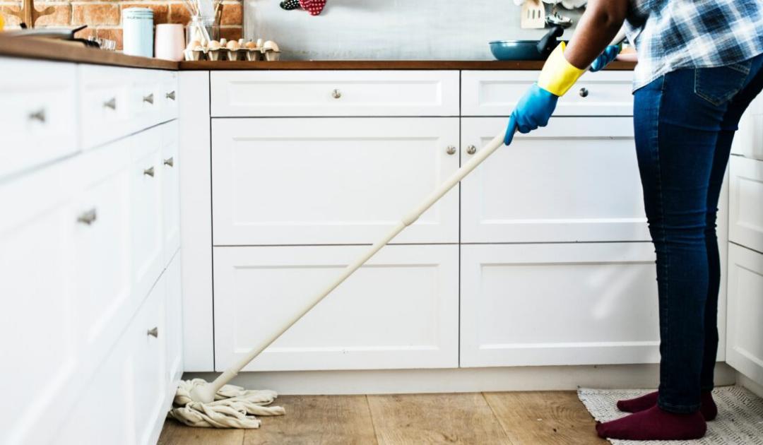 Legyen vagy ne?   – mérlegen az örökös takarítónő-kérdés