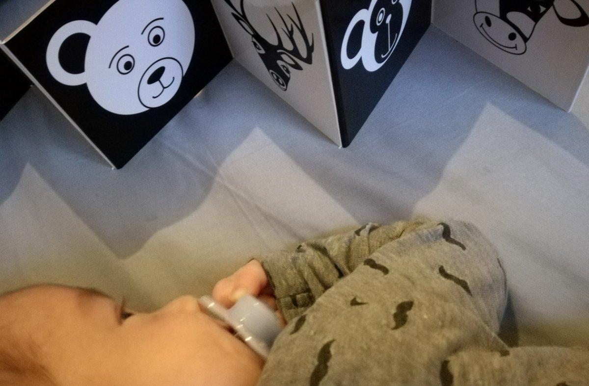 baba, látás, kontraszt, fekete-fehér, Ancsa-sztorik, figyel