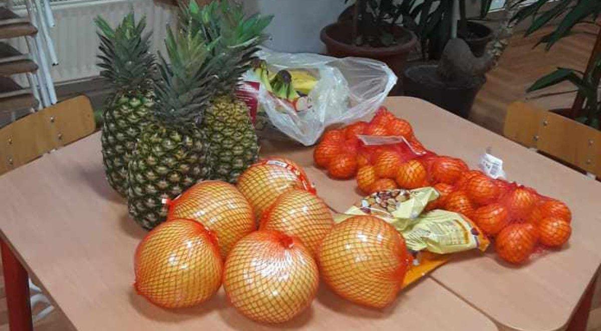 gyümölcs, Örökbe fogadok egy ovit, adományozás, mélyszegénység, hátrányos helyzetű gyerekek