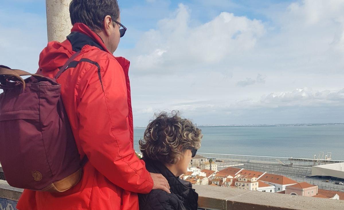 külföld, gyerekek külföldön, távolság, család, együtt