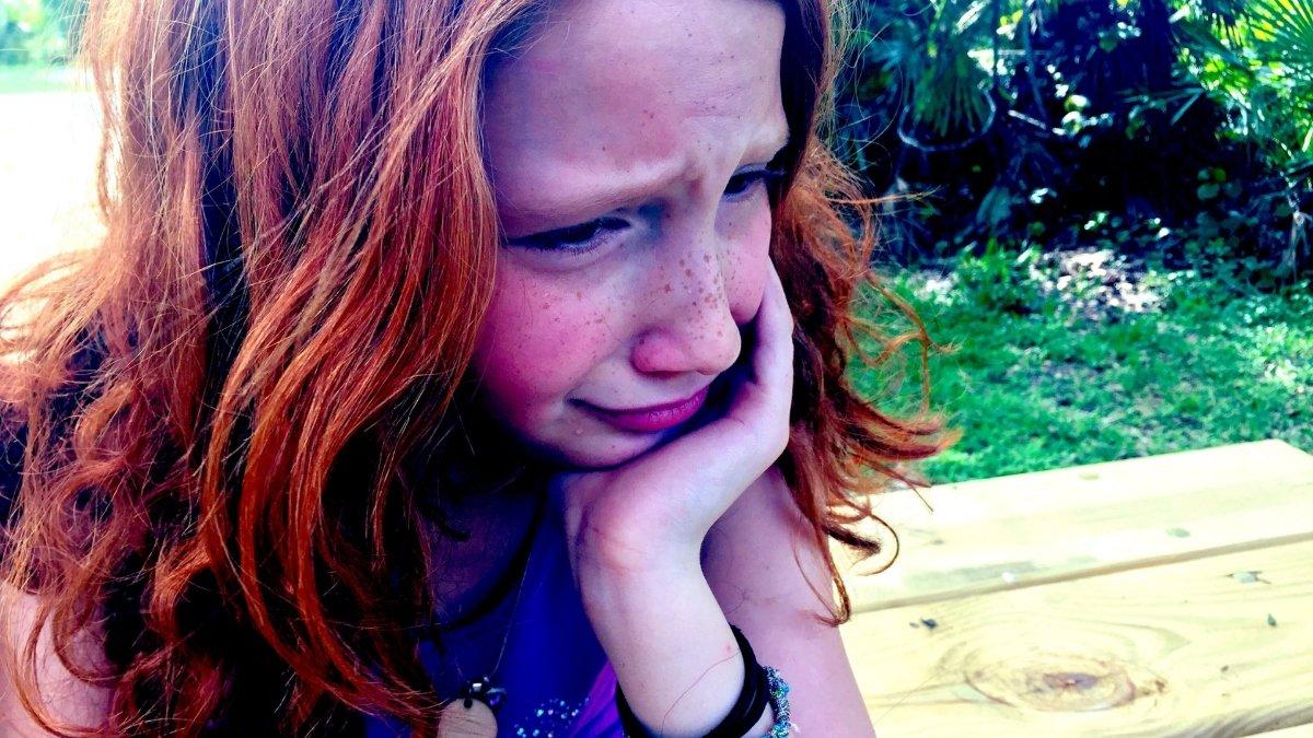 osztálytalálkozó, iskolai bántalmazás, bullying, sírás, Bori